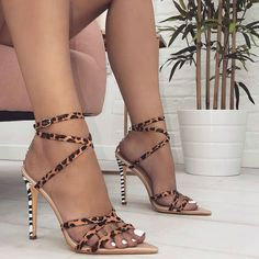 3709fe33fc Open Toe Strappy Single Sole Heels Sandálias Melissa