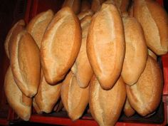 Make Your Own Mexican Bolillo Bread With Only 6 Ingredients: Mexico´s most-consumed bread is crusty-on-the-outisde, soft-on-the-inside bolillos.