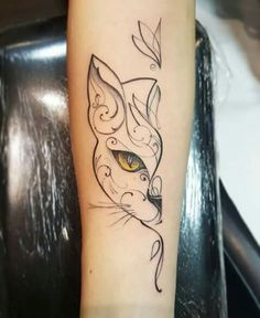 Tattoo gato meia face - tattoos - - Katzen / Cat - Katzen World Cat Face Tattoos, Kitten Tattoo, Body Art Tattoos, Small Tattoos, Tatoos, Animal Tattoos, Cute Cat Tattoo, Finger Tattoos, Make Tattoo