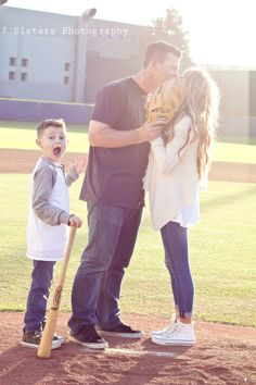Family baseball photoshoot at Cal Berkeley! 7 Sisters Photography