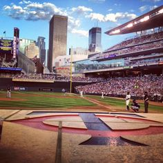 Happy home opener, Minnesota Twins! We can't wait for another great season at Target Field. #WHYHB