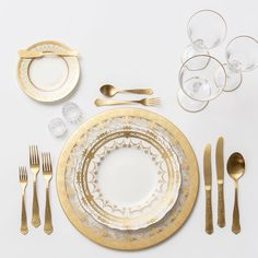 24k Gold Glass Chargers + NEW Crown Gold Collection Vintage China + Chateau Flatware + Gold Rimmed Stemware + Antique Crystal Salt Cellars | Casa de Perrin Design Presentation