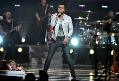 Country music was well represented at Fashion Rocks 2014 with Miranda Lambert, The Band Perry and Luke Bryan all performing and showing out, representing for their genre. Perfect Man, A Good Man, Country Girls, Country Music, Luke Brian, Grey Leather Jacket, The Band Perry, Kenny Chesney, Miranda Lambert