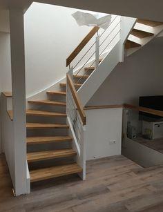 Escalier blanc et bois