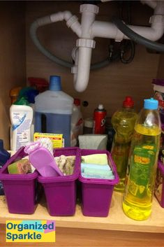 Home Decor Decoracion When you organize the under kitchen sink cabinet you need to know what should be stored under the kitchen sink. Also the best ways of storing cleaning products safely. Ideas to organize under kitchen sink dollar store ideas. Under Kitchen Sink Organization, Under Kitchen Sinks, Corner Sink Kitchen, Kitchen Cupboard Storage, Under Sink Storage, Kitchen Cabinet Design, Cabinet Decor, Diy Kitchen, Kitchen Interior