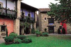 Casona Palacio Camino Real. http://www.turismoruralcantabria.com/146-Casona-Palacio-Camino-Real.htm