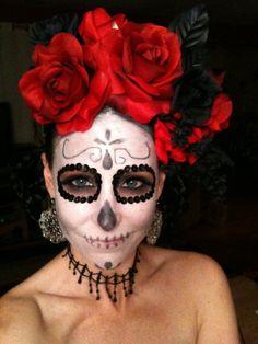 Halloween Costume Day of the Dead Halloween Kostüm, Halloween Treats, Halloween Decorations, Halloween Costumes, Vintage Halloween, Sugar Skull Makeup, Sugar Skull Art, Sugar Skulls, Candy Skulls