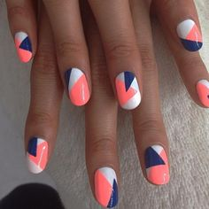 Geometric nail art designs look beautiful and chic on short and long nails. Geometric patterns in any fashion field are the style that fashionistas dream of. This pattern has been popular in nail art for a long time, because it is easy to create in n Pretty Nail Art, Cute Nail Art, Nail Art Diy, Pretty Pastel, Gorgeous Nails, Love Nails, Amazing Nails, Jolie Nail Art, Nails Today