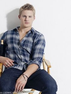 Alexander Ludwig as Carter ( Titan ) Richter  - Rights to this original character go to zfatal of Gaiaonline.