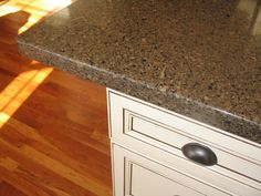 kitchen cabinet color (with our silestone)