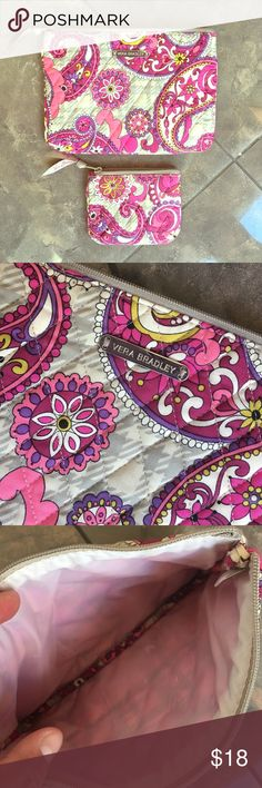 Vera Bradley Pretty Vera Bradley makeup bag and matching coin purse. Excellent condition. Makeup bag is 9x6.5 and coin purse is 5x4. Vera Bradley Bags Cosmetic Bags & Cases