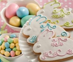 Easter bunny decorated cookies