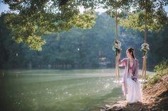 梦中人 Chinese Traditional Costume, Traditional Outfits, Chinese Ornament, Cute Profile Pictures, Chinese Clothing, Hanfu, Japanese Fashion, Geisha, Amazing Photography