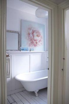 white + pale pink + pale blue #clawfoot, #bathroom