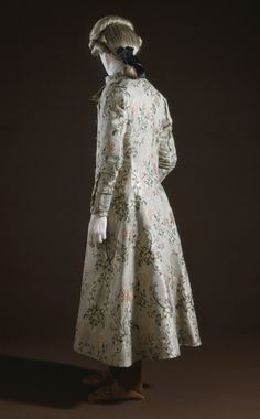 Man's Banyan, France, c.1765, silk, wool flannel lining. LACMA