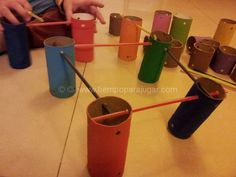Juego de construccion y encastre reciclando rollos de papel - Construction game with paper rolls