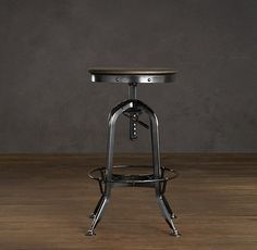 69 Ideas Kitchen Island Stools With Backs Restoration Hardware Industrial Metal Chairs, Cafe Industrial, Industrial Shelving, Industrial Interiors, Modern Industrial, Industrial Furniture, Rustic Furniture, Kitchen Furniture, Industrial Design