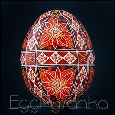 Real Ukrainian Pysanky Chicken Pysanka Hand Made HQ from Roman Easter Egg Egg Shell Art, Easter Crafts, Easter Ideas, Ukrainian Easter Eggs, Egg Designs, Faberge Eggs, Egg Art, Egg Decorating, Egg Shells