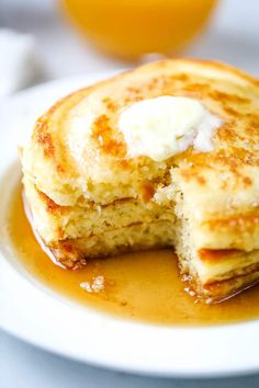 Delicious every time! You'll love these easy, light, fluffy homemade pancakes! Made with ingredients you already have in your pantry. Breakfast Casserole Easy, Quick And Easy Breakfast, Breakfast Dishes, Breakfast Recipes, Breakfast Ideas, No Bake Oreo Dessert, Oreo Dessert Recipes, Homemade Pancakes Fluffy, Homemade Crumpets