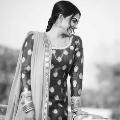 Punjabi Girls, Punjabi Suits, Salwar Suits, Punjabi Models, Punjabi Actress, Profile Picture For Girls, Indian Attire, Stylish Girl, Actors & Actresses