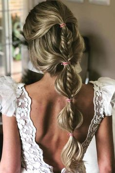 Wedding Hairstyles You Will Want to Wear Right Now: What's Stopping You?, HAİR STYLE, Half up half down braided bubble ponytail. Talk about mixing wedding hairstyles! Sporty Hairstyles, Bride Hairstyles, Pretty Hairstyles, Easy Hairstyles, Beauty Tips For Hair, Hair Beauty, Long Hair Wedding Styles, Long Hair Styles, Bubble Ponytail