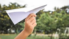 Introduce Your Kid to This Database of Paper Airplanes offspring.lifehac... #makerspace #tlchat #futurereadylibs #istelib