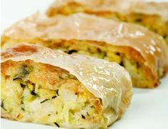 Zucchini-Strudel Rezept Strudel Recipes, Zucchini Pizzas, Fritters, Veggie Recipes, Easy Meals, Vegetarian, Yummy Food, Dishes, Cooking