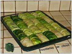 Depuis quelques années , je fais cette recette et chaque fois on se régale !!!!!! Ayant de gros choux au jardin , j'ai préparé 4 grands plats que je vais congeler en prévision des jours d'hiver Recette initiale extraite d'un ancien * Femme actuelle* .......mais...