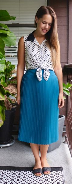 Jules in Flats - Pleated Midi Skirt