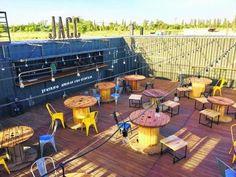 Outdoor Restaurant Design, Bar Restaurant, Cafe Shop Design, Cafe Interior Design, Terasse Bar, Food Court Design, Container Cafe, Diner Decor, Outdoor Cafe