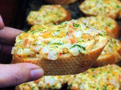 Bobbi's Kozy Kitchen: Cheesy Shrimp Crostini