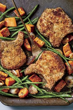 This hearty sheet pan supper is a cinch to make, even on the busiest weeknight. The secret to crisp, breaded pork chops? Dredge only one side of each pork chop in the panko mixture to keep the underside of the meat from becoming soggy. Savory Sweet Potato Recipes, Sweet Potato Soup, Savoury Recipes, Healthy Recipes, Oven Fried Pork Chops, Baked Pork, Oven Baked, Sheet Pan Suppers, Green Bean Recipes
