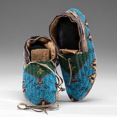 Sioux beaded moccasins | Lot # 282 - Sioux Beaded Hide Moccasins