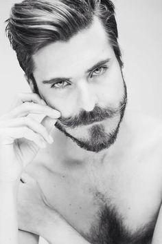 Beard Styles 820921838311438813 - Homme barbu avec une moustache Source by Christlcx