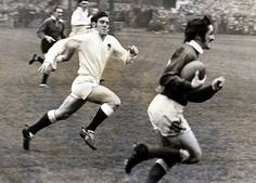 Gerald Davies races away en route for his first try in Wales' 22-6 rout of England in 1971 Cycling Quotes, Cycling Art, Irish Rugby, Rugby 7's, Welsh Rugby Players, Women's Cycling Jersey, Cycling Jerseys, University Of Wales, Amigurumi