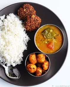 List of Indian lunch menu ideas, choose from more than 60 menu ideas with recipes links and tips to prepare the lunch Lunch Menu, Dinner Menu, Indian Food Recipes, Vegetarian Recipes, Indian Foods, Easy Cooking, Cooking Recipes, Veg Thali, Desi Food