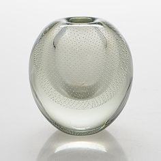 Gunnel Nyman, vas, glas, otydligt signerad med syrapenna. - Bukowskis Glass Design, Design Art, Bukowski, New Pins, Modern Contemporary, Retro Vintage, Glass Vase, Finland, Auction