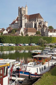 Yonne, Auxerre, FRANCE  (by jpazam, via Flickr)