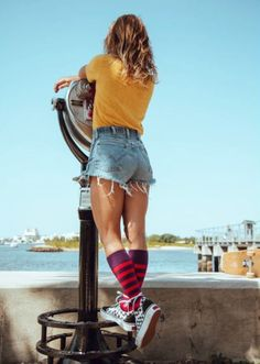 Vans Girls Out on the town. Skater Girl Outfits, Skater Girls, Girls Summer Outfits, Sneaker Outfits, Converse Sneaker, Long Socks Outfit, Vans Outfit, Outfit Jeans, Grunge Outfits