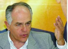 Folha Política: Pré-candidato do PSDB ao governo de Minas é alvo da PF