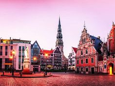 Riga Old Town #Riga #oldtown #candy #pink Riga, Old Town, Cathedral, Mansions, House Styles, Building, Travelling, Candy, Old City