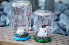 Make snow globes yourself. Very easy & fast . how it works . Ganz easy & schnell… so geht es Snowglobe DIY, snowball tinkering – great tinkering in summer and winter :-] - Hobbies For Adults, Fun Hobbies, Hobbies And Crafts, Homemade Slime, Homemade Crafts, Diy Snow Globe, Snow Globes, Diy For Men, Kid Crafts