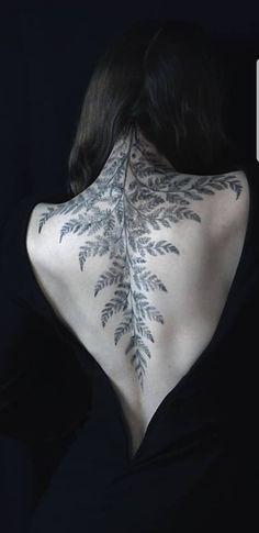 Botanisches Tattoo, Backpiece Tattoo, Tatoo Henna, Piercing Tattoo, Tattoo Drawings, Nature Tattoos, Body Art Tattoos, New Tattoos, Cool Tattoos