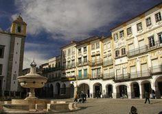 Évora, recognized as a UNESCO World Heritage site Sea Activities, Famous Castles, Natural Park, Grand Tour, Historical Sites, Places To See, The Good Place, Beautiful Places, City