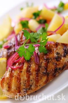 Grilled chicken breast with potato salad. Grilled chicken breast with warm corn , Best Grilled Chicken Recipe, Easy Chicken Recipes, Meat Recipes, Healthy Recipes, Homemade Potato Salads, Balsamic Vinegar Chicken, Chicken And Vegetables, Vegetable Recipes, Holiday Recipes
