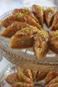 Home Baklava and Good Holidays to Everyone Baklava Cheesecake, Baklava Recipe, Vegan Desserts, Dessert Recipes, Middle Eastern Desserts, Phyllo Dough, Arabic Sweets, Bread And Pastries, Chicken Wings