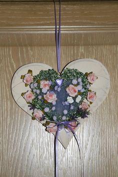 Ein Herz für viele Anlässe! Ob zum Geburtstag, Hochzeit, Valentinstag, Muttertag oder, oder....dieses süße Herz wird sicher viel Freude bringen.