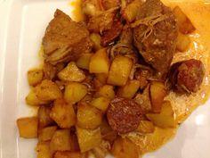 Sauté de porc à la portugaise (1) Cooking Recipes, Healthy Recipes, Portuguese Recipes, Chorizo, Pot Roast, Food Videos, Kids Meals, Food To Make, Clean Eating