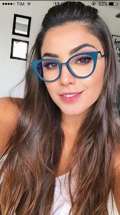 Glasses For Face Shape, New Glasses, Girls With Glasses, Glasses Trends, Champagne Blonde, Eyewear Trends, Fashion Eye Glasses, Moda Chic, Beautiful Women Pictures