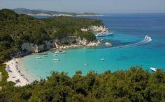 Η παραλία Βουτούμι στους Αντίπαξους, κοντά στην Κέρκυρα. (Antipaxoi, Greece)